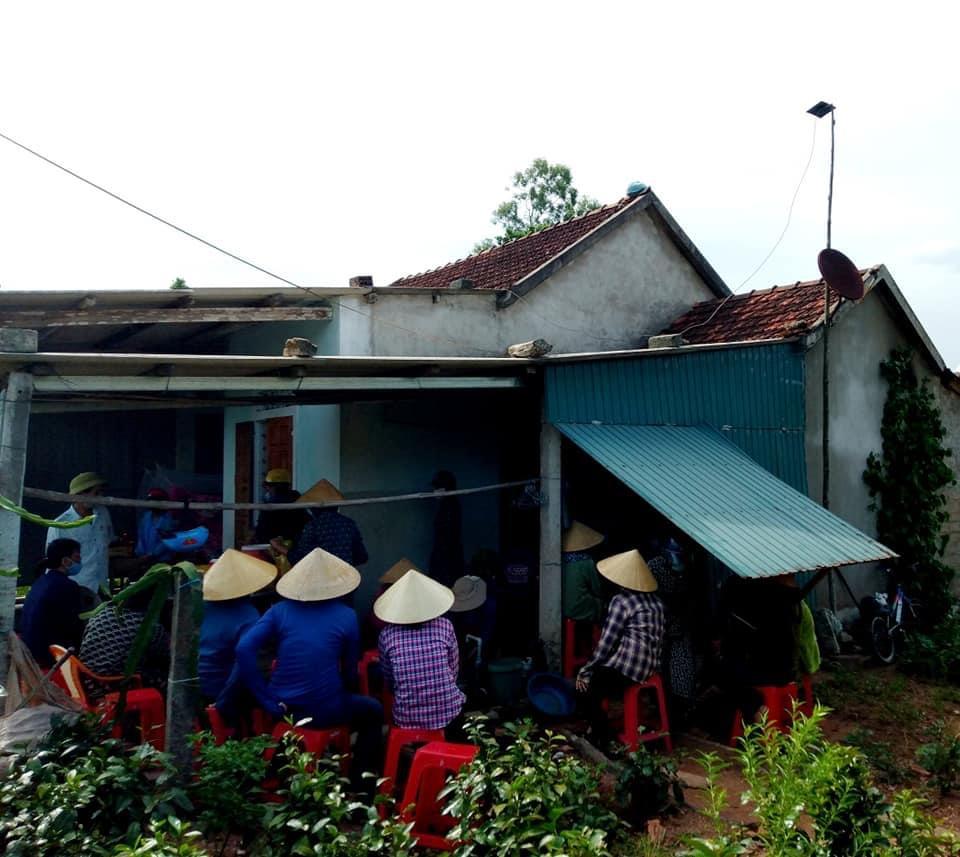 Hà Tĩnh: Hoàn cảnh bi đát của 3 học sinh bị đuối nước khi lên rừng hái sim - Ảnh 2.