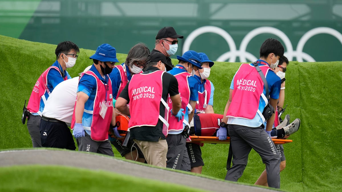 Nhà vô địch Olympic gặp tai nạn, bị xuất huyết não, gãy xương sườn, dập phổi - Ảnh 7.