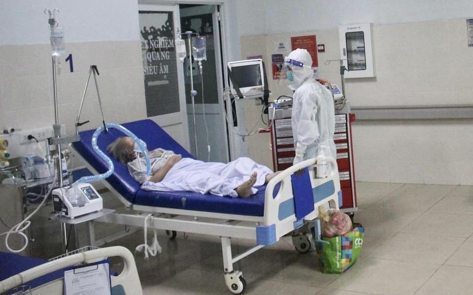 TP.HCM: Quận chủ động xử lý F0 chuyển nặng trong khi chờ chuyển viện