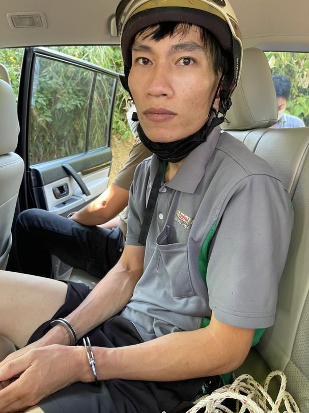 a 2 doi tuong 16294553594191433249211 Nghệ An: Nghi phạm giết tài xế taxi trên quốc lộ 7 là đối tượng bỏ nhà đi lang thang