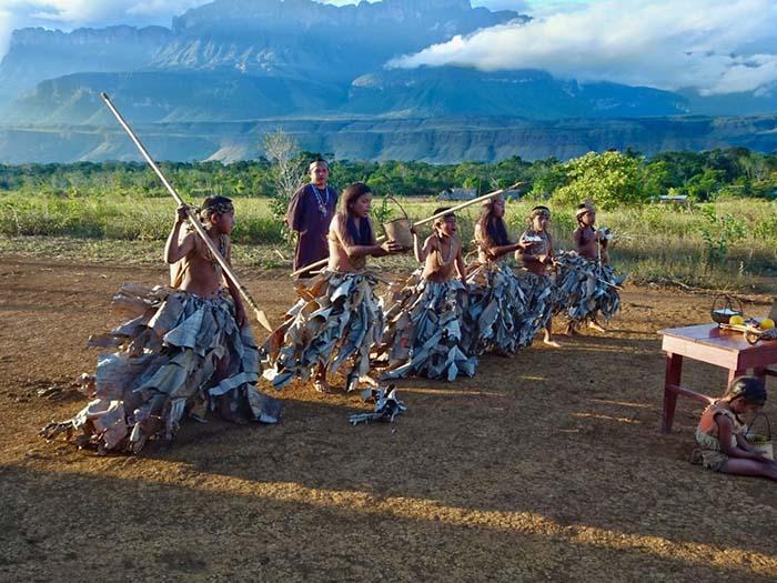 """Du lịch Venezuela: Trekking lên đỉnh """"thế giới đã mất"""" của các Thần linh - Ảnh 6."""