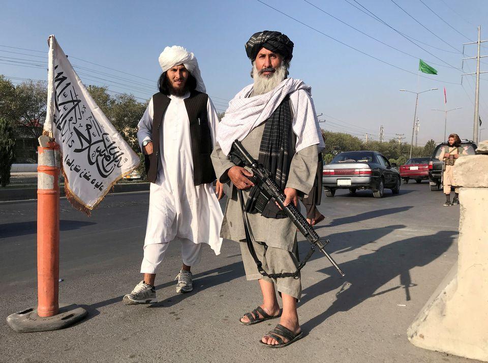 Người dân Afghanistan sợ hãi mỗi khi Taliban gõ cửa - Ảnh 3.