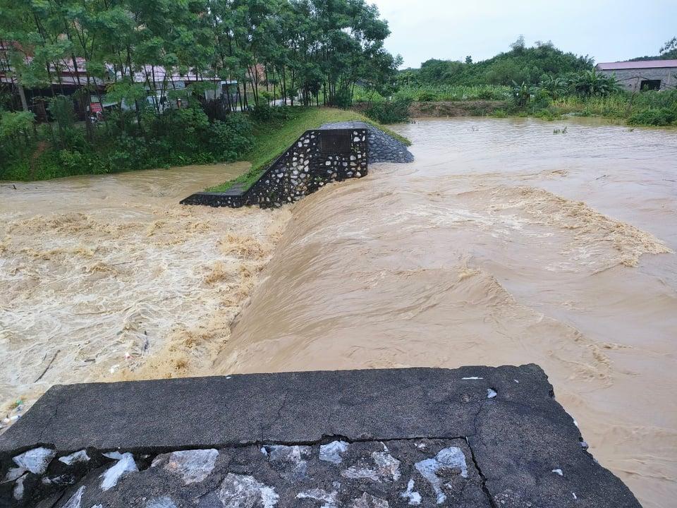 Thái Nguyên: Mưa lớn gây ngập úng, chia cắt nhiều tuyến đường - Ảnh 7.