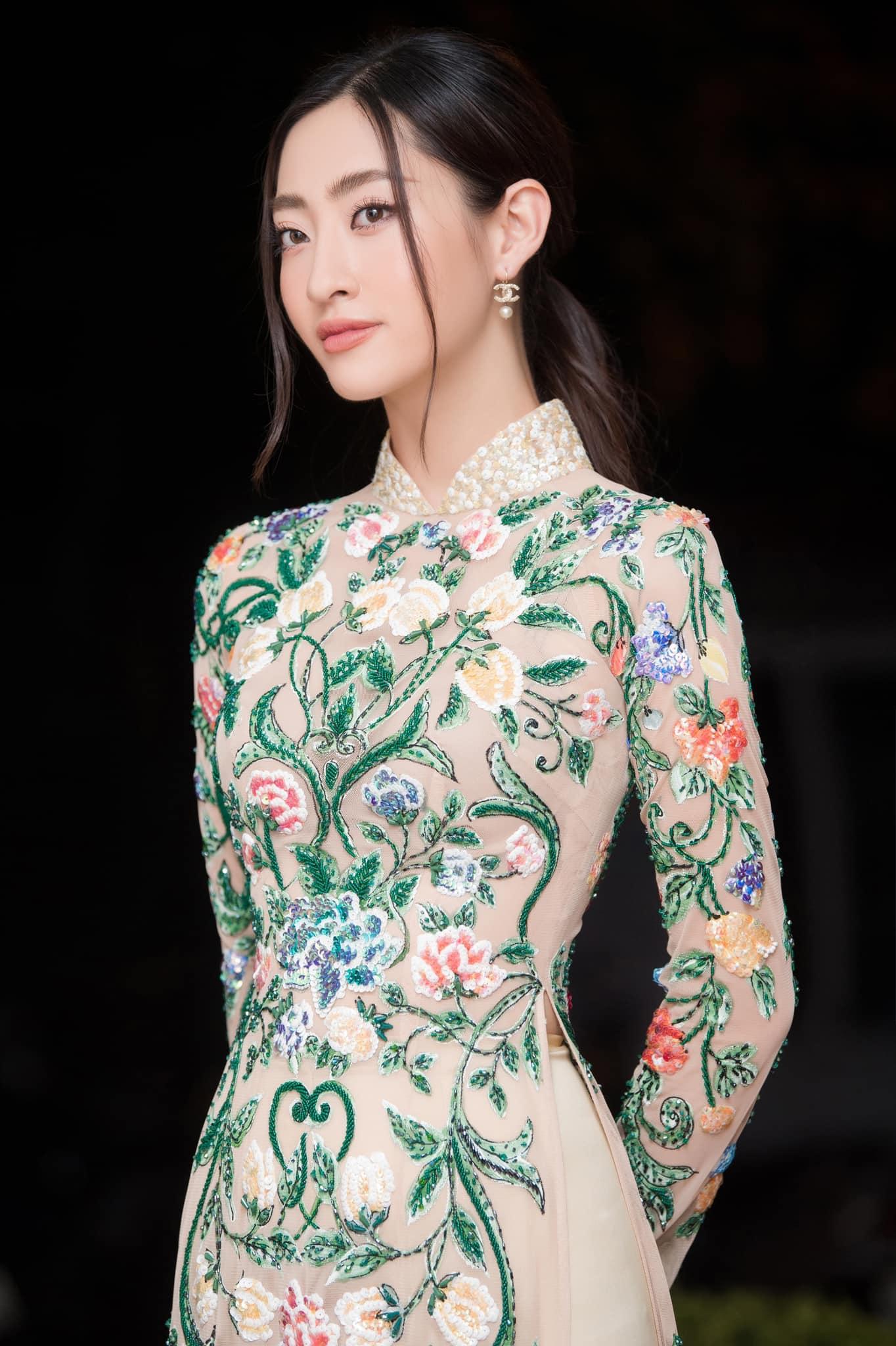 """Sam ở nhà vẫn """"lên đồ"""" gợi cảm hút mắt, Văn Mai Hương dẫn đầu top sao mặc đẹp tuần qua - Ảnh 1."""