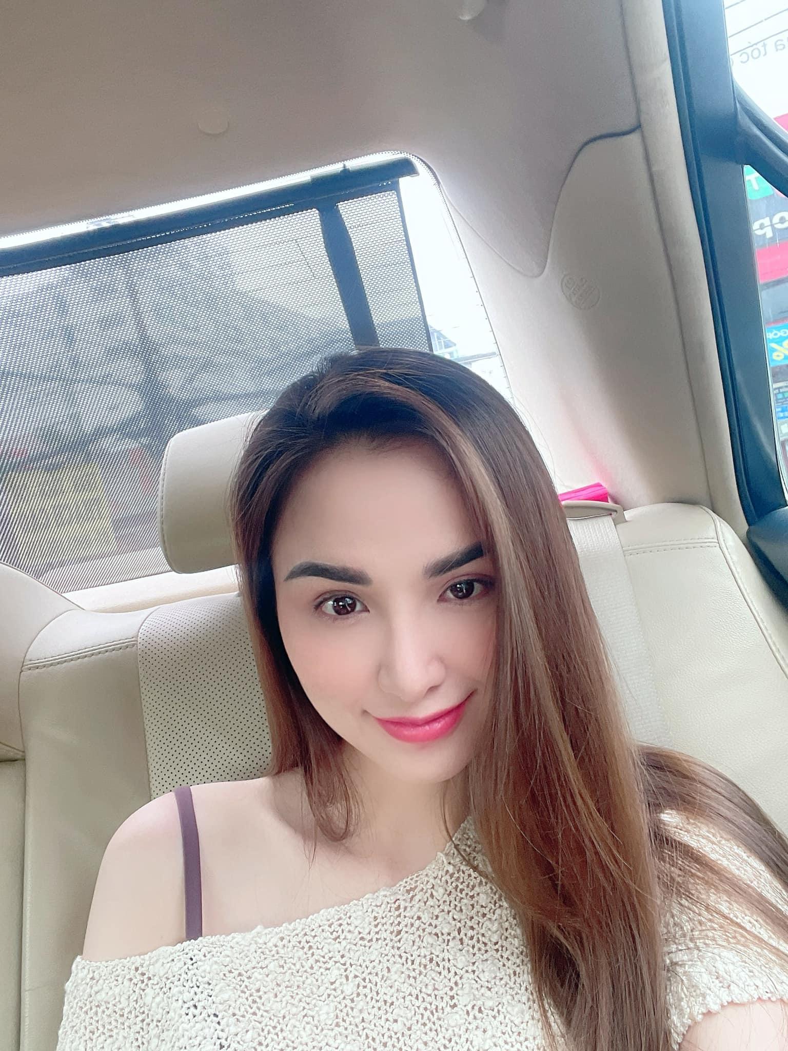 """Sam ở nhà vẫn """"lên đồ"""" gợi cảm hút mắt, Văn Mai Hương dẫn đầu top sao mặc đẹp tuần qua - Ảnh 6."""