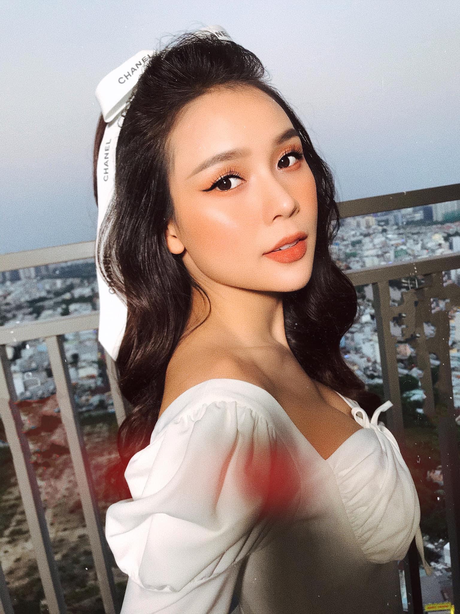"""Sam ở nhà vẫn """"lên đồ"""" gợi cảm hút mắt, Văn Mai Hương dẫn đầu top sao mặc đẹp tuần qua - Ảnh 3."""