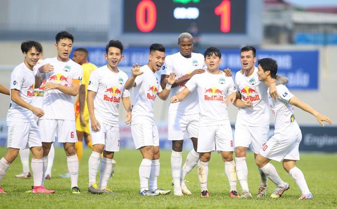 HAGL nguy cơ mất chức vô địch V.League, Văn Toàn buông lời xót xa - Ảnh 1.