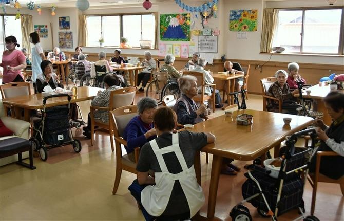 Cơ hội việc làm trong nước mở rộng cho lao động Nhật Bản về nước - Ảnh 1.