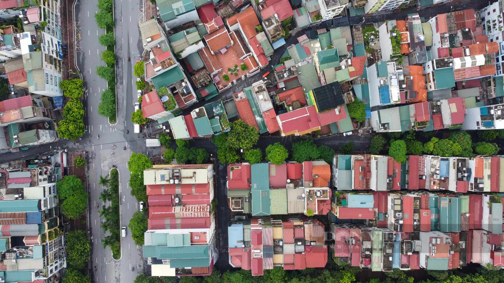 Hà Nội: Bên trong vùng cách ly y tế diện rộng ở phường Giáp Bát  - Ảnh 5.