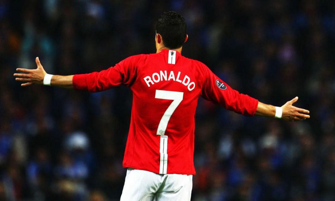 """Trở về MU, Ronaldo lên kế hoạch trở thành """"trùm khách sạn""""? - Ảnh 1."""