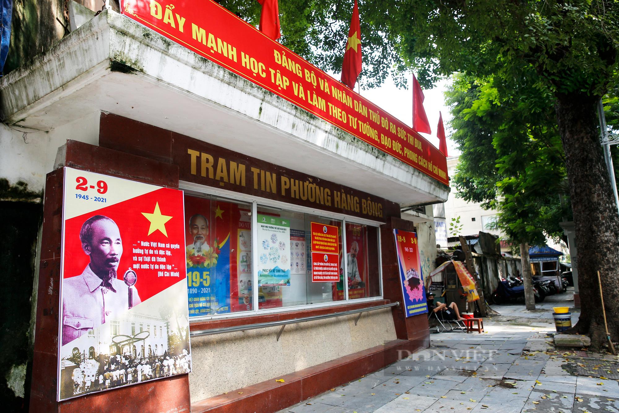 Đường phố Hà Nội rực rỡ sắc đỏ chào mừng Quốc khánh 2/9 - Ảnh 9.