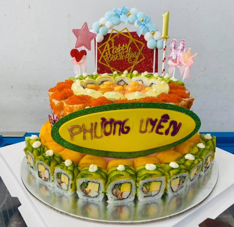 """""""Mục sở thị"""" bánh sinh nhật làm từ cá sống giá cả triệu đồng/chiếc, phải đặt trước may ra mới có - Ảnh 3."""