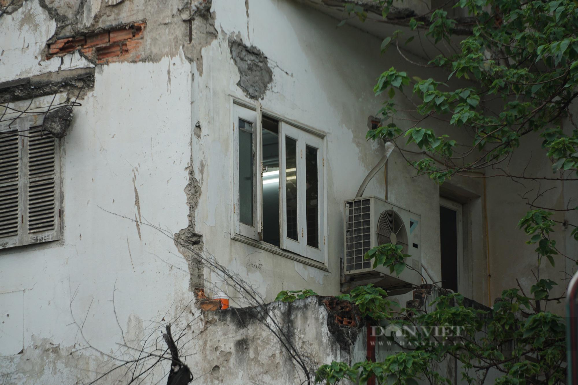 Lợi dụng quy định đền bù mới, căn hộ cũ nát được 'thổi' giá tới 50 triệu đồng/m2 - Ảnh 1.