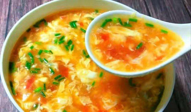 Nấu canh cà chua trứng thơm ngon, không tanh cần biết mẹo này - Ảnh 7.