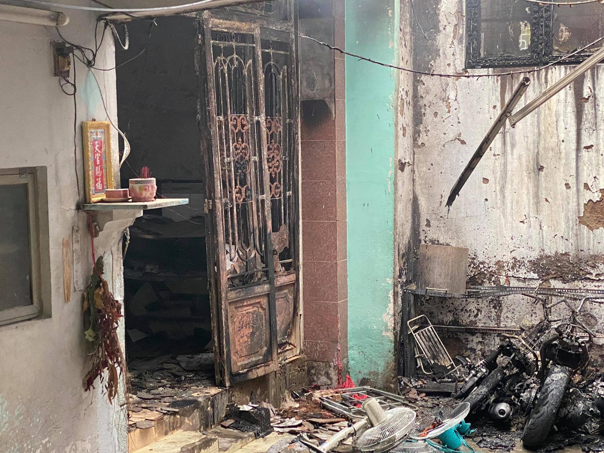 Cháy lớn tại TP.HCM khiến 1 phụ nữ tử vong - Ảnh 1.