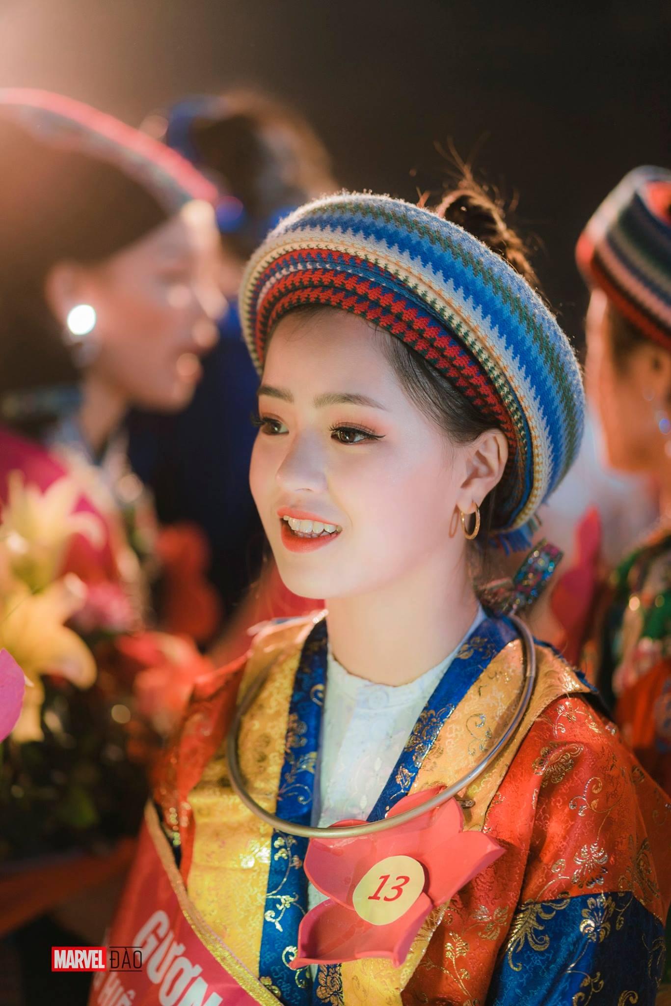 """Vẻ đẹp trong sáng của """"cô bé bán lê"""", có chiếc răng khểnh đáng yêu tại cao nguyên đá Hà Giang - Ảnh 7."""