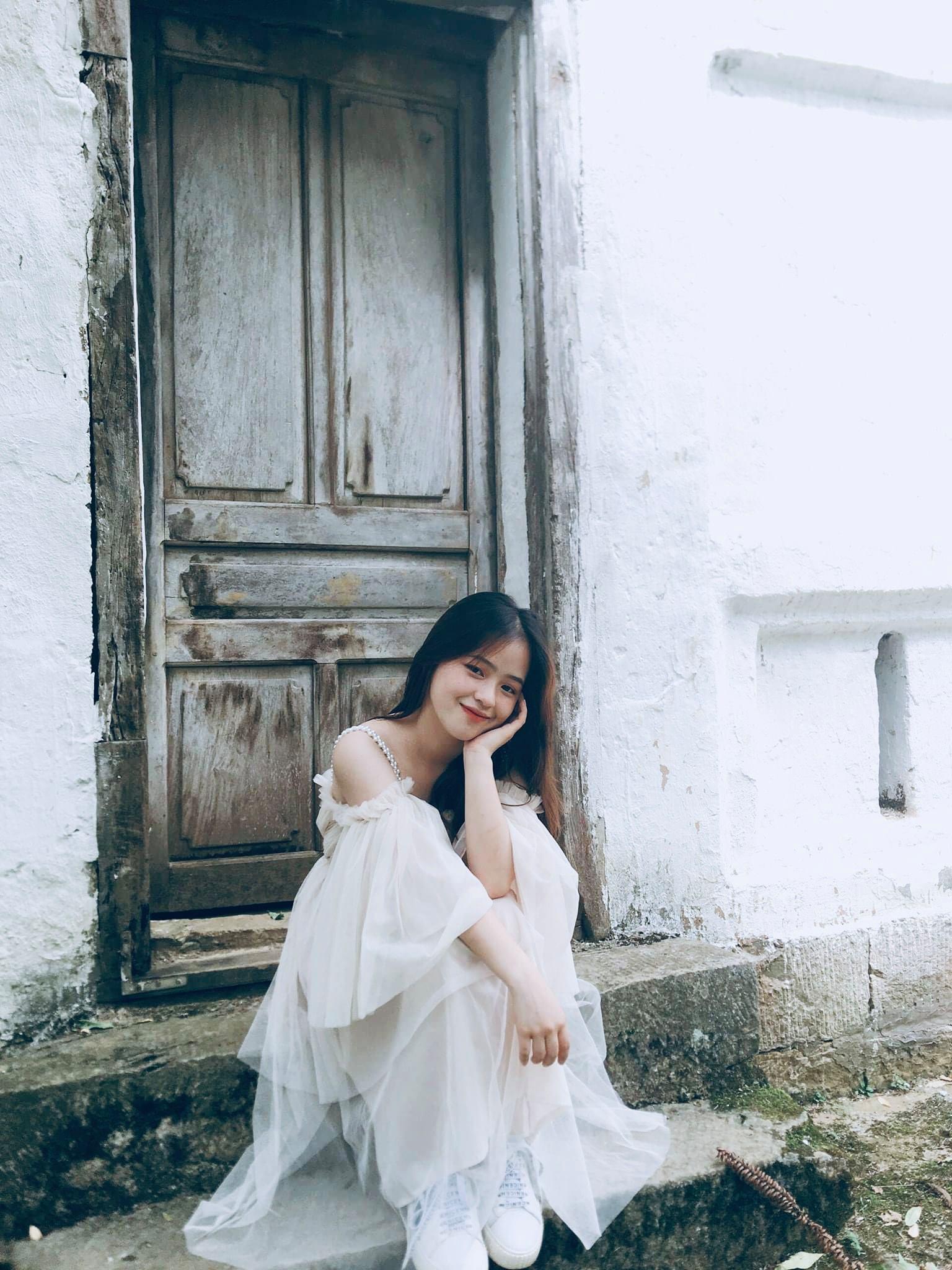 """Vẻ đẹp trong sáng của """"cô bé bán lê"""", có chiếc răng khểnh đáng yêu tại cao nguyên đá Hà Giang - Ảnh 8."""
