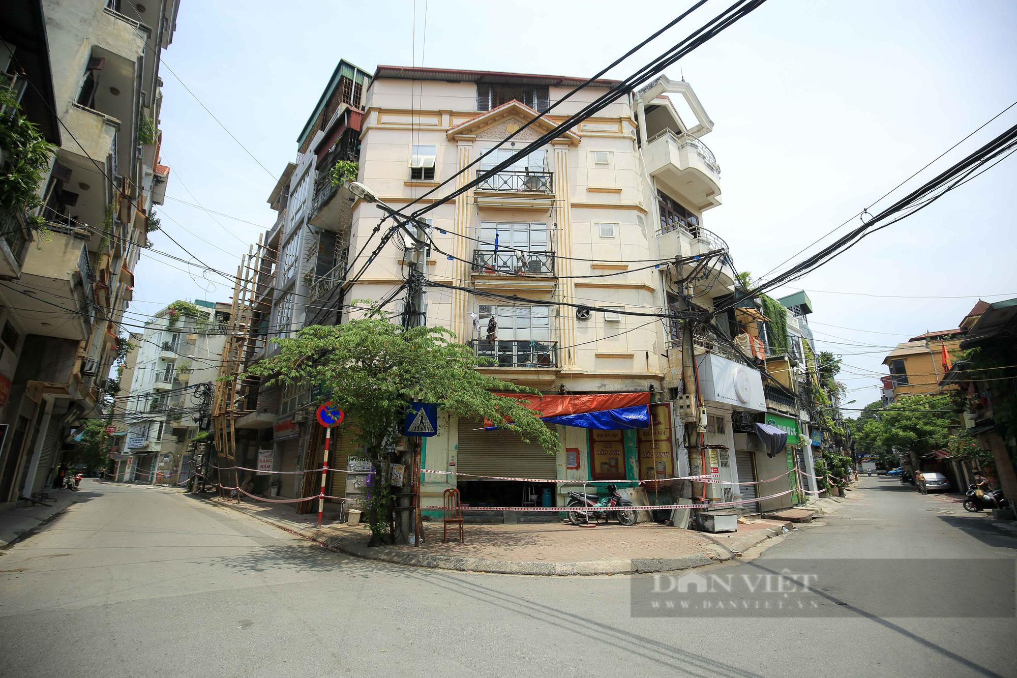 Phong toả 900 hộ dân và 2.800 nhân khẩu tại một phường của Hà Nội - Ảnh 3.