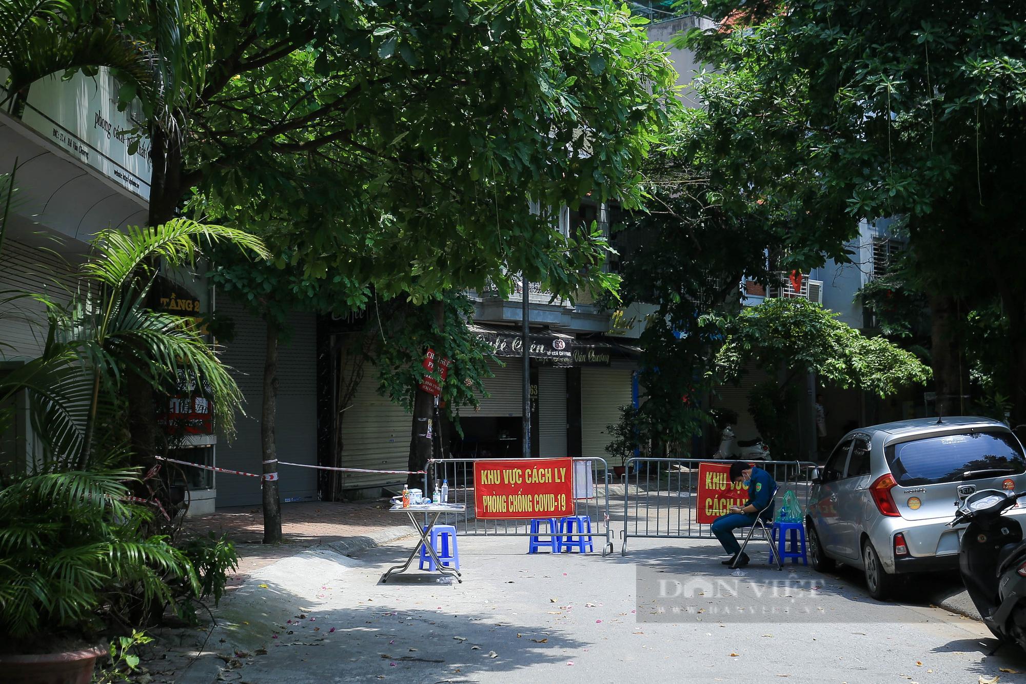 Phong toả 900 hộ dân và 2.800 nhân khẩu tại một phường của Hà Nội - Ảnh 11.