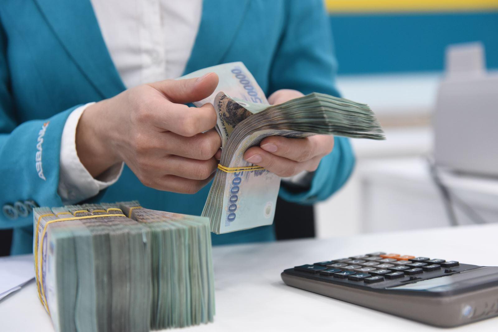 Người lao động cần làm gì khi chưa nhận tiền được hỗ trợ Covid-19? - Ảnh 1.