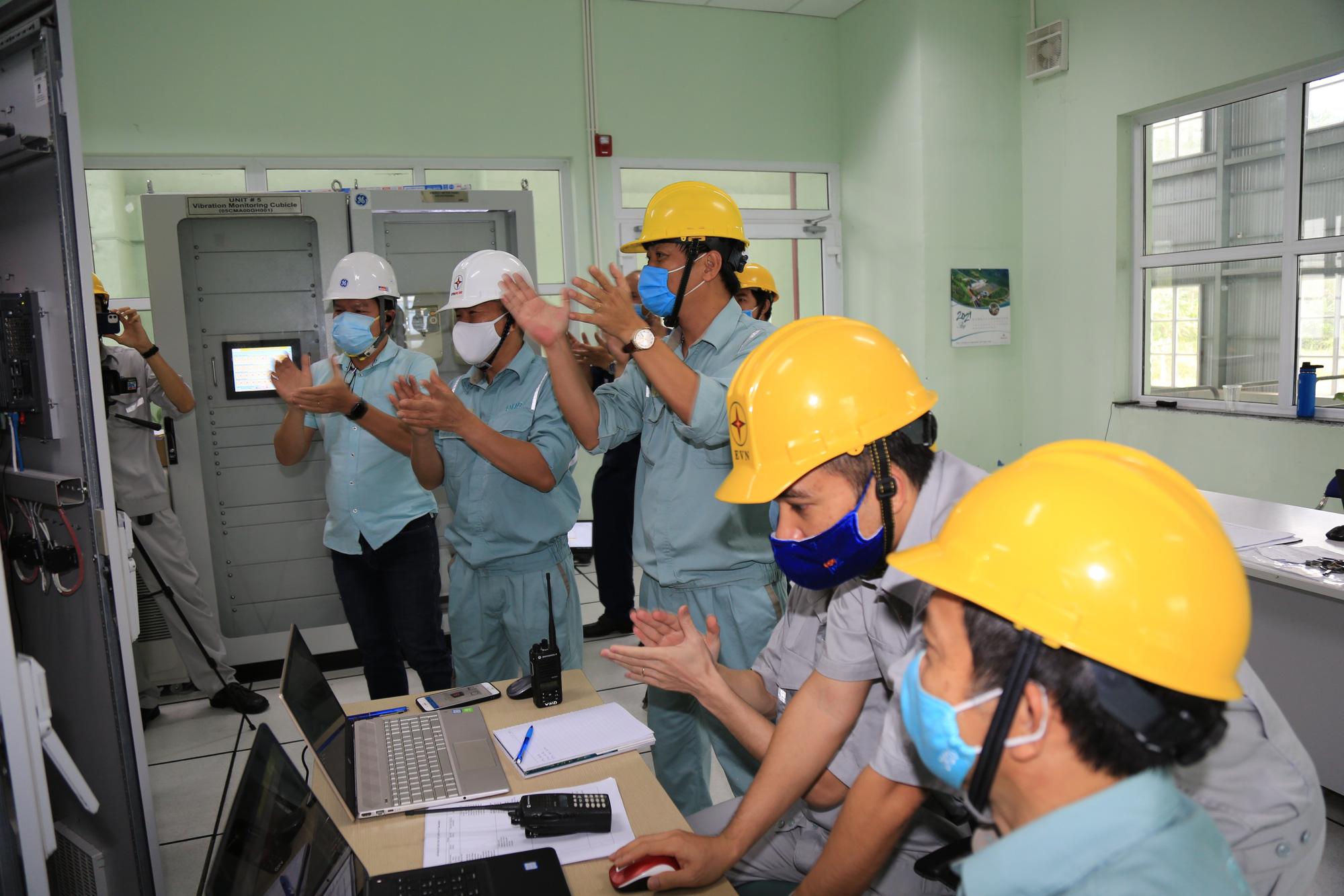 Tổ máy H5 Dự án mở rộng Nhà máy thủy điện Đa Nhim chính thức hoà lưới điện quốc gia - Ảnh 1.