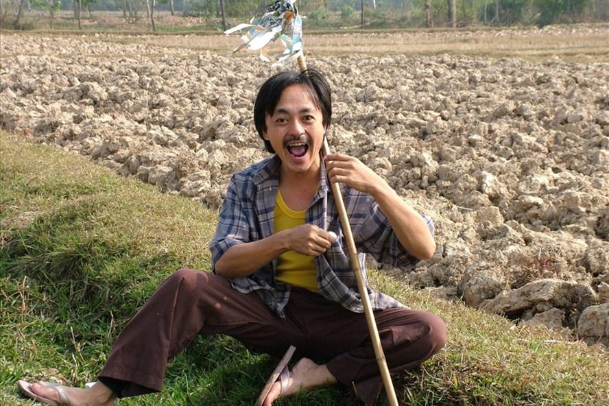 Nghệ sĩ Giang Còi: Nhiều lần bị chuốc rượu say mèm vì diễn nông dân quá thật  - Ảnh 1.