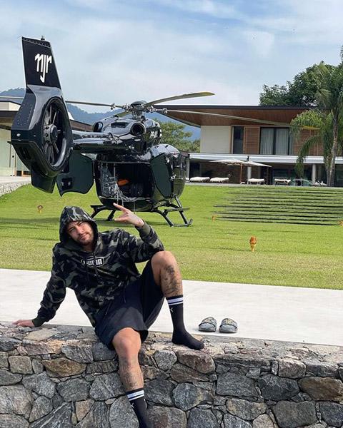 Neymar khoe trực thăng cá nhân trị giá hơn 300 tỷ - Ảnh 1.