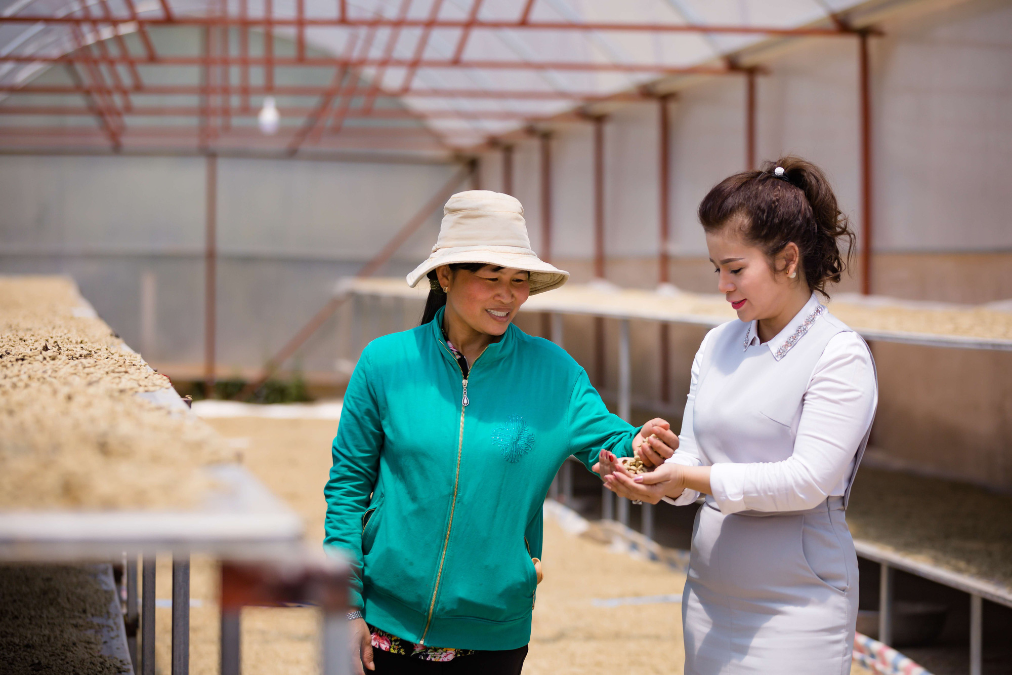 Bà Lê Hoàng Diệp Thảo công bố dự án Happy Farmers cầu nối liên kết với các nhà cung ứng của Việt Nam - Ảnh 2.