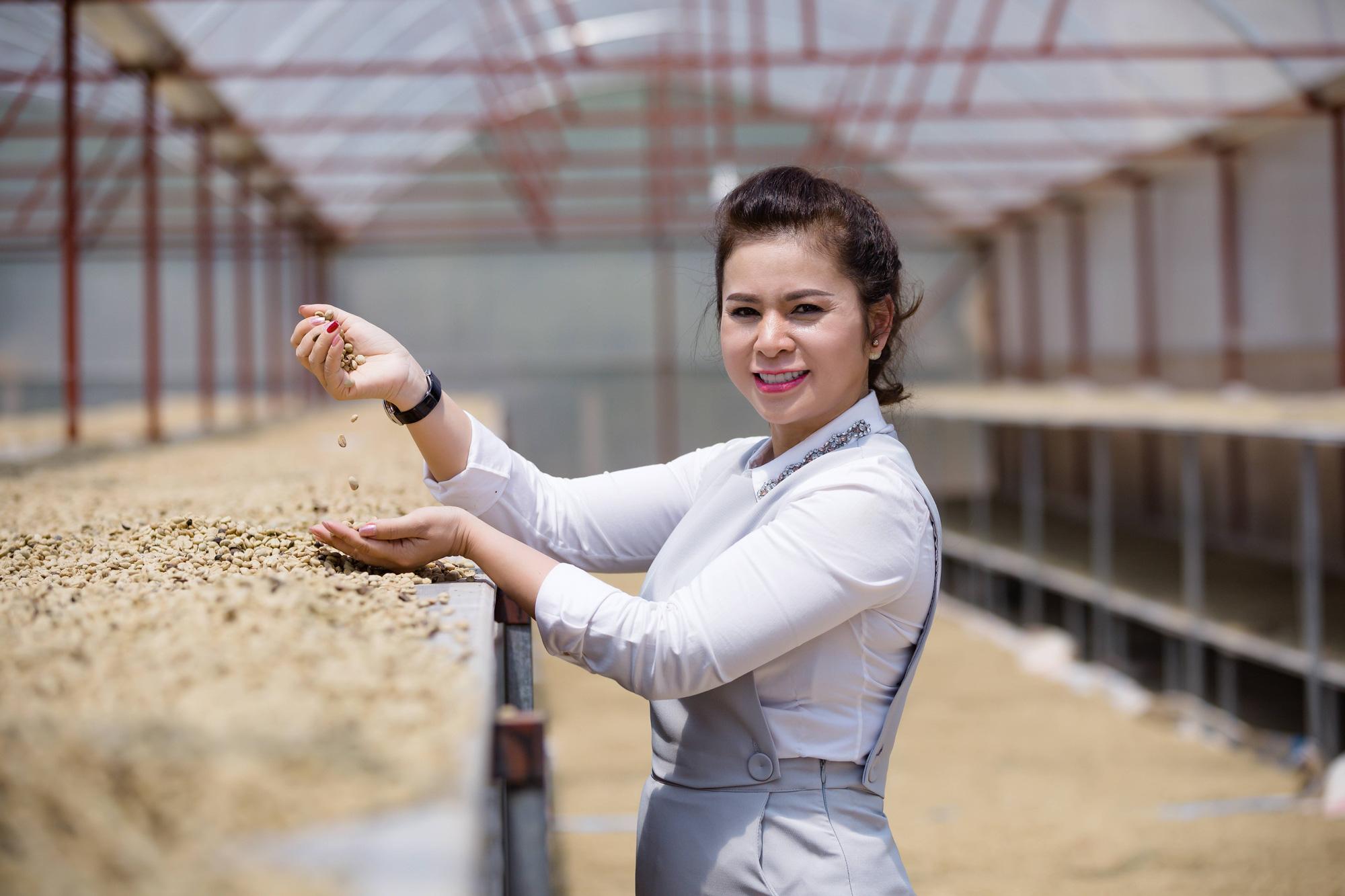 Bà Lê Hoàng Diệp Thảo công bố dự án Happy Farmers cầu nối liên kết với các nhà cung ứng của Việt Nam - Ảnh 1.