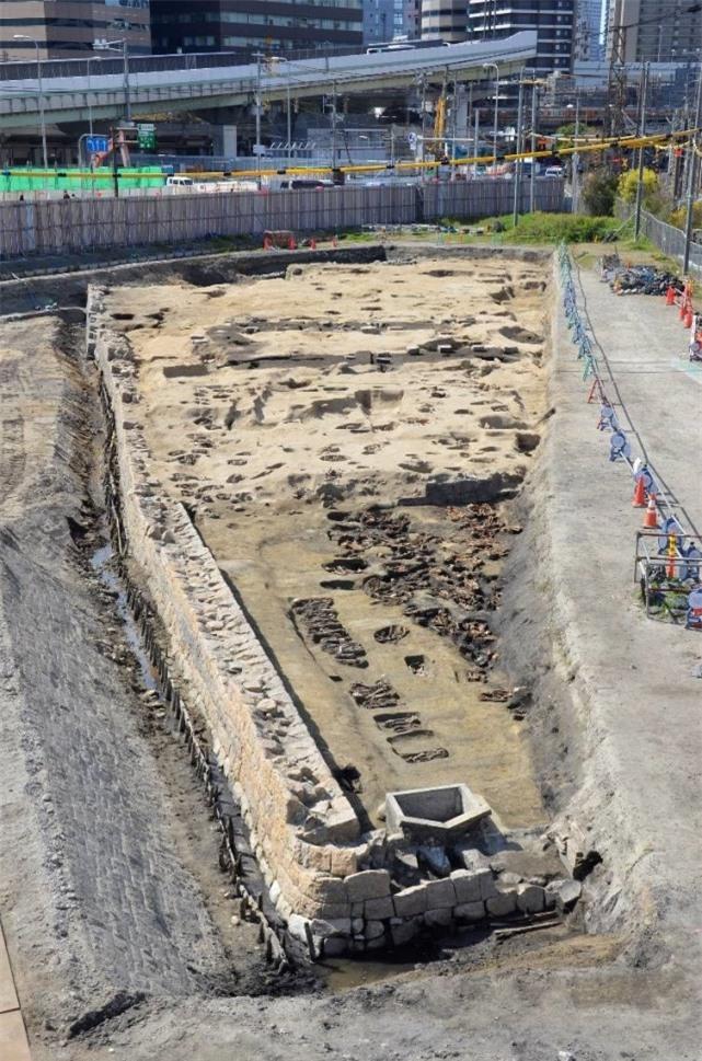 Khu mộ cổ Nhật Bản chôn cất 1.500 hài cốt: Đại dịch kinh hoàng không kém Covid-19? - Ảnh 1.