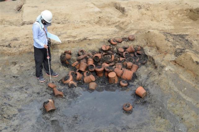 Khu mộ cổ Nhật Bản chôn cất 1.500 hài cốt: Đại dịch kinh hoàng không kém Covid-19? - Ảnh 2.