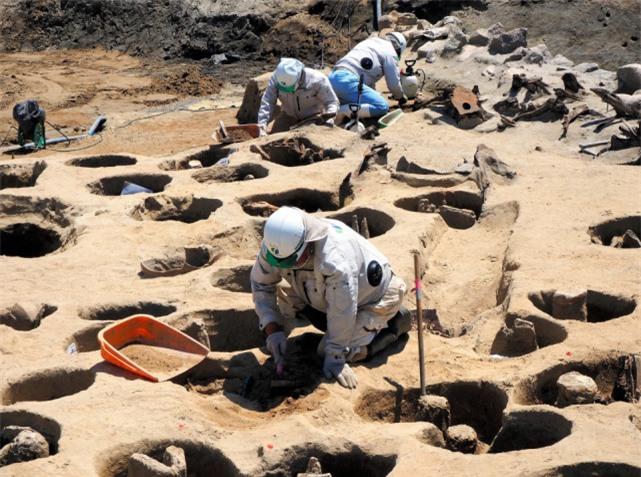 Khu mộ cổ Nhật Bản chôn cất 1.500 hài cốt: Đại dịch kinh hoàng không kém Covid-19? - Ảnh 4.