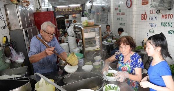 Vì sao hết giãn cách, nhiều người chỉ mong ăn một lúc 2-3 tô phở Sài Gòn? - Ảnh 7.