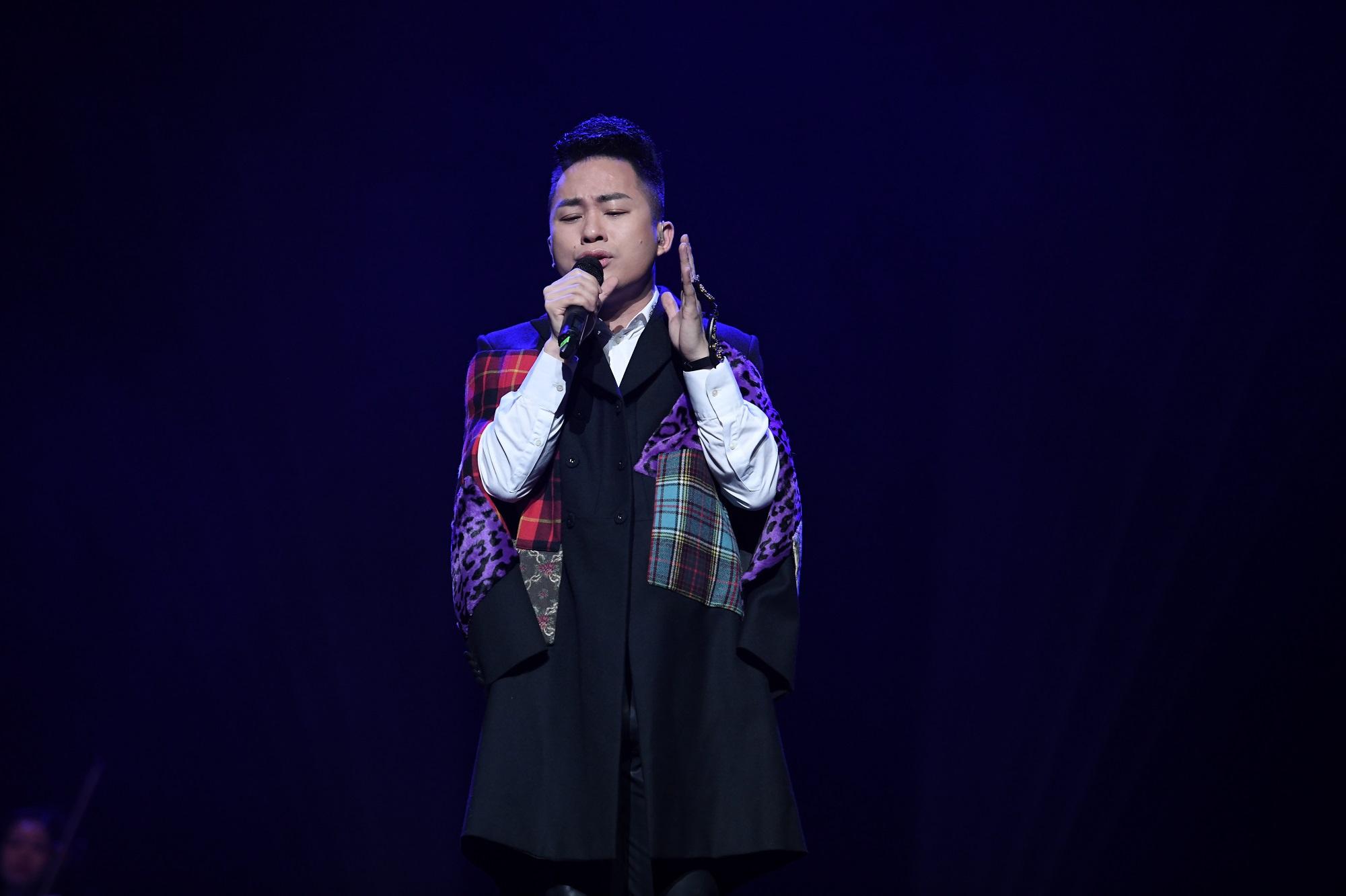 2 1631257612870 16312576130891555955161 Tùng Dương: Phan Mạnh Quỳnh đặc biệt ở nhạc Việt