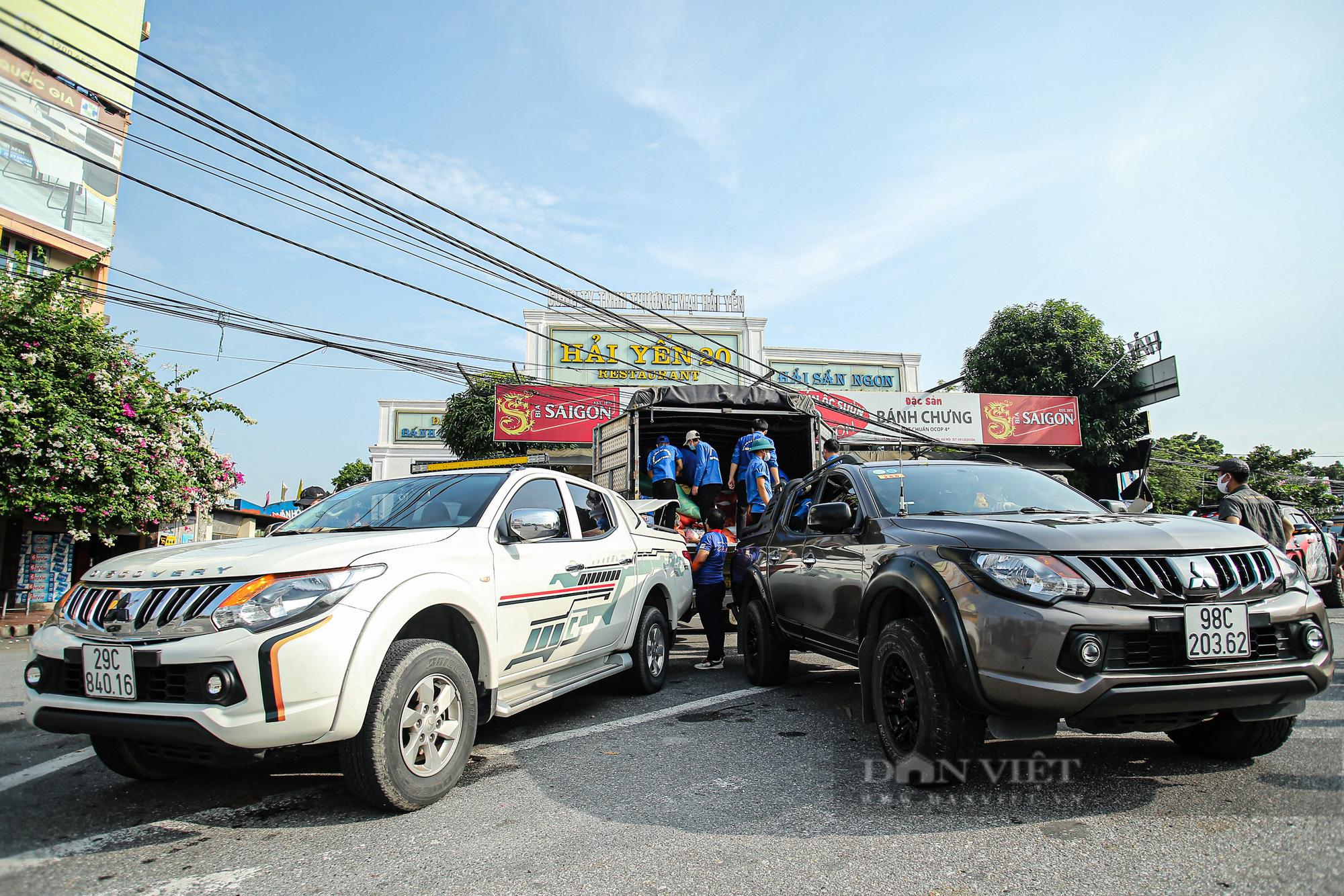 Hà Nội đón nhận 60 tấn nhu yếu phẩm từ nhân dân Hà Giang ủng hộ - Ảnh 4.