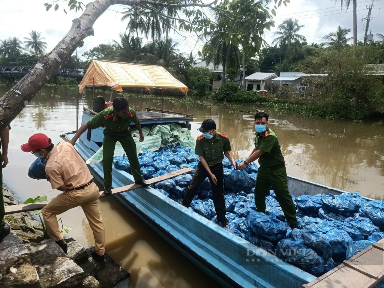 Công an huyện Giồng Riềng giúp nông dân tiêu thụ gần 180 tấn khoai lang - Ảnh 3.