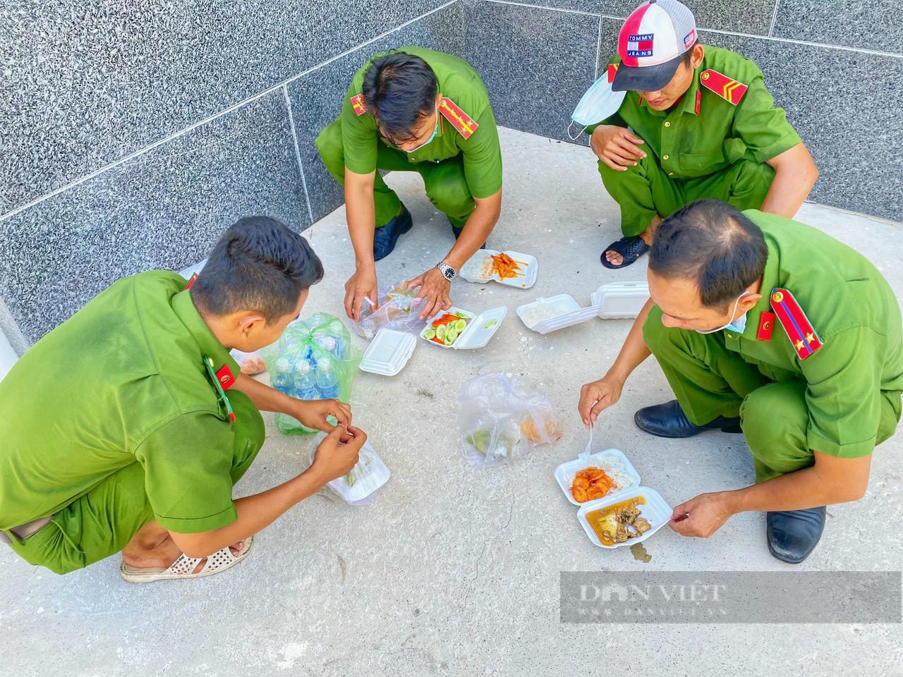 Công an huyện Giồng Riềng giúp nông dân tiêu thụ gần 180 tấn khoai lang - Ảnh 5.