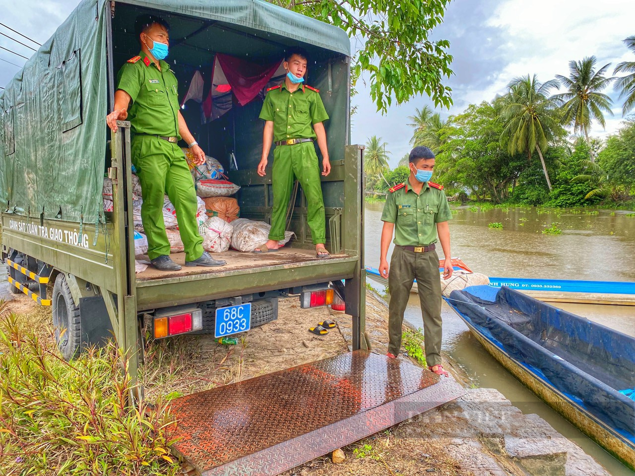 Công an huyện Giồng Riềng giúp nông dân tiêu thụ gần 180 tấn khoai lang - Ảnh 7.