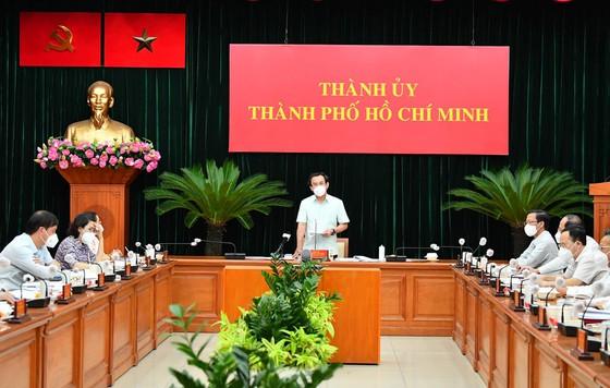 Chủ tịch UBND TP.HCM: Thành phố chủ động xây dựng chiến lược sau ngày 15/9 - Ảnh 1.