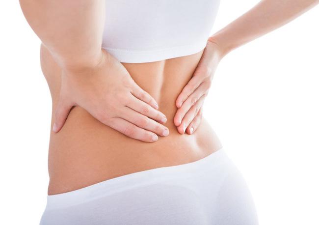 Tập plank tại nhà để bụng phẳng, eo thon, nhiều chị em bị đau lưng nhiều ngày, HLV chỉ ra lỗi sai ai cũng dễ mắc - Ảnh 2.