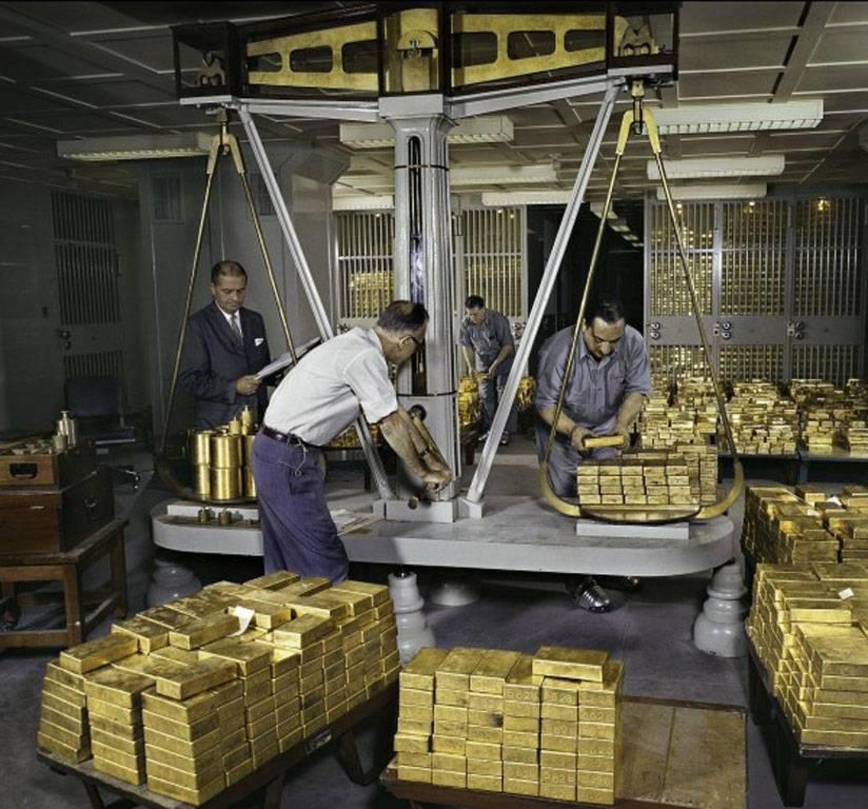 Kho vàng hơn 6.000 tấn cho tham quan nhưng cấm chụp ảnh - Ảnh 1.