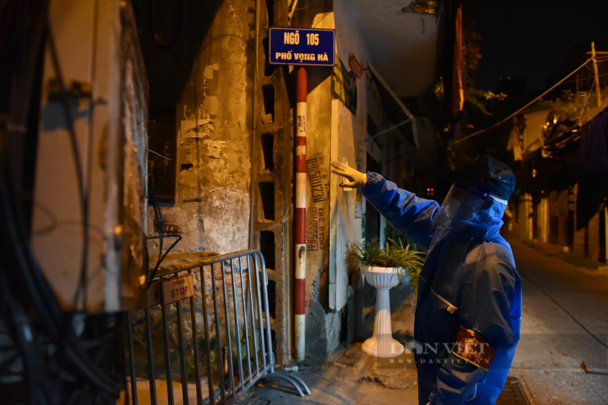 Hà Nội: Dỡ bỏ cách ly y tế với hơn 300 người dân tại phường Chương Dương - Ảnh 3.