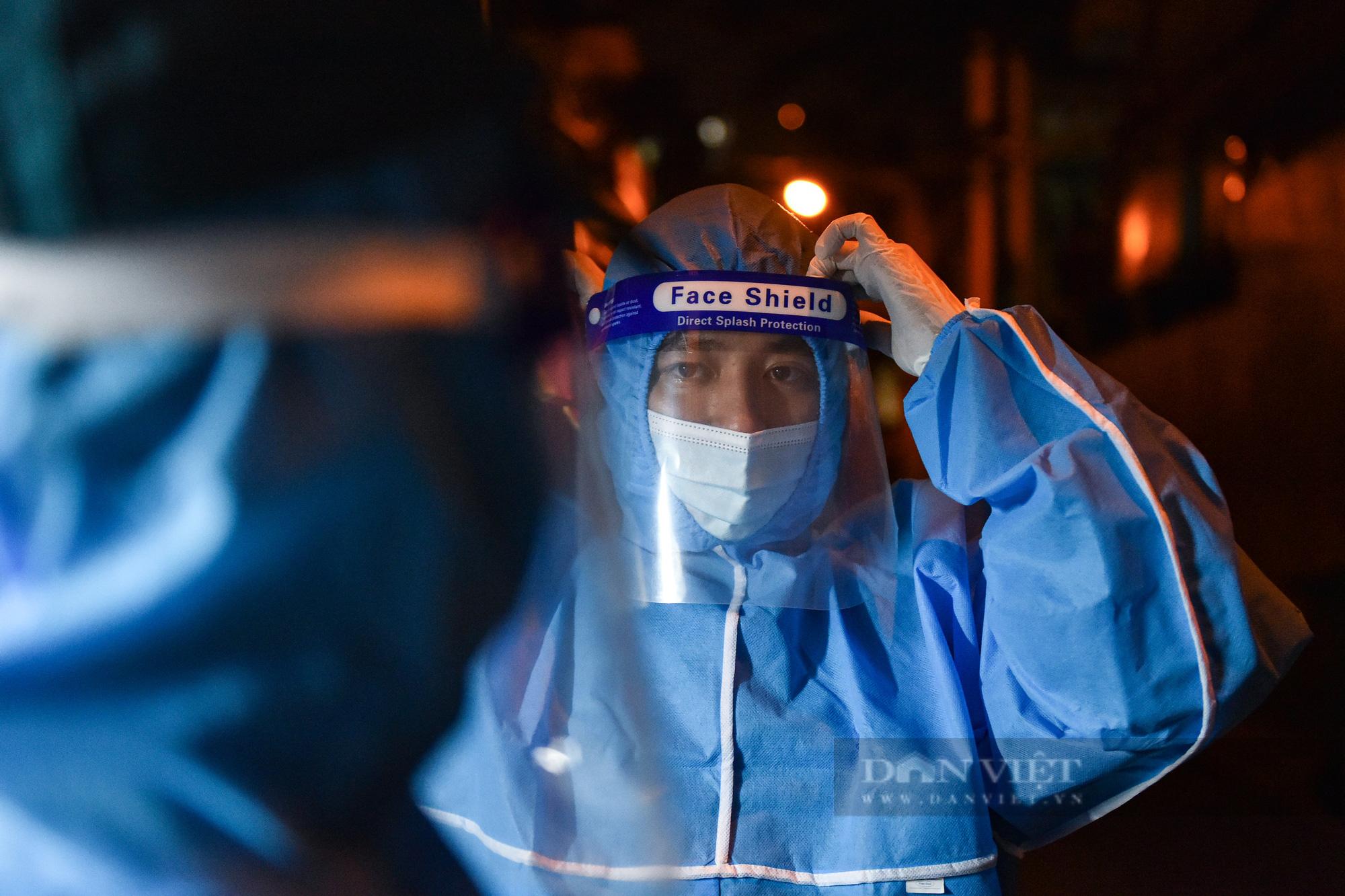 Hà Nội: Dỡ bỏ cách ly y tế với hơn 300 người dân tại phường Chương Dương - Ảnh 4.