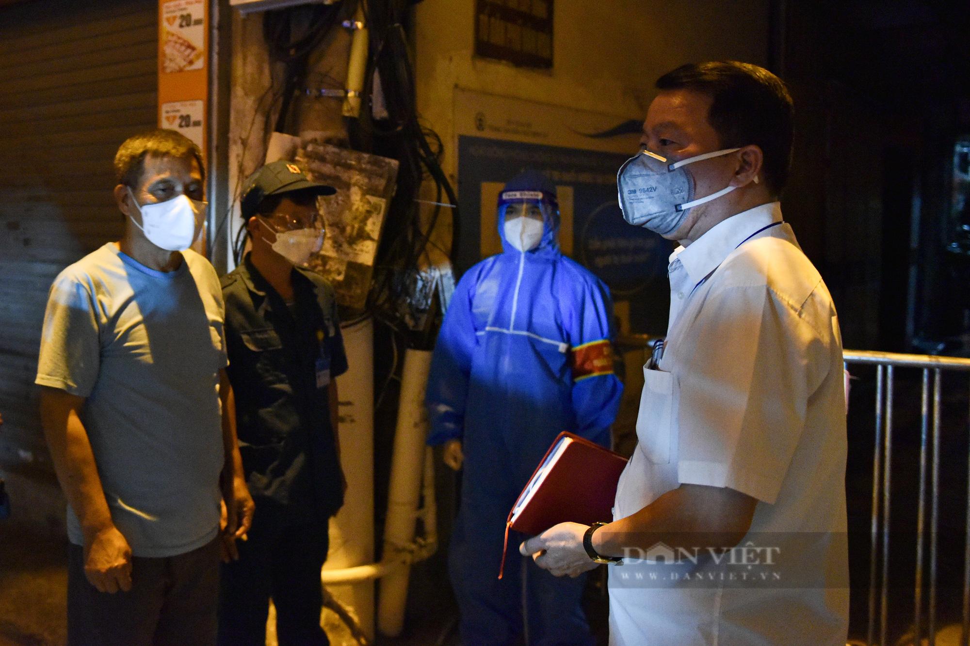 Hà Nội: Dỡ bỏ cách ly y tế với hơn 300 người dân tại phường Chương Dương - Ảnh 6.
