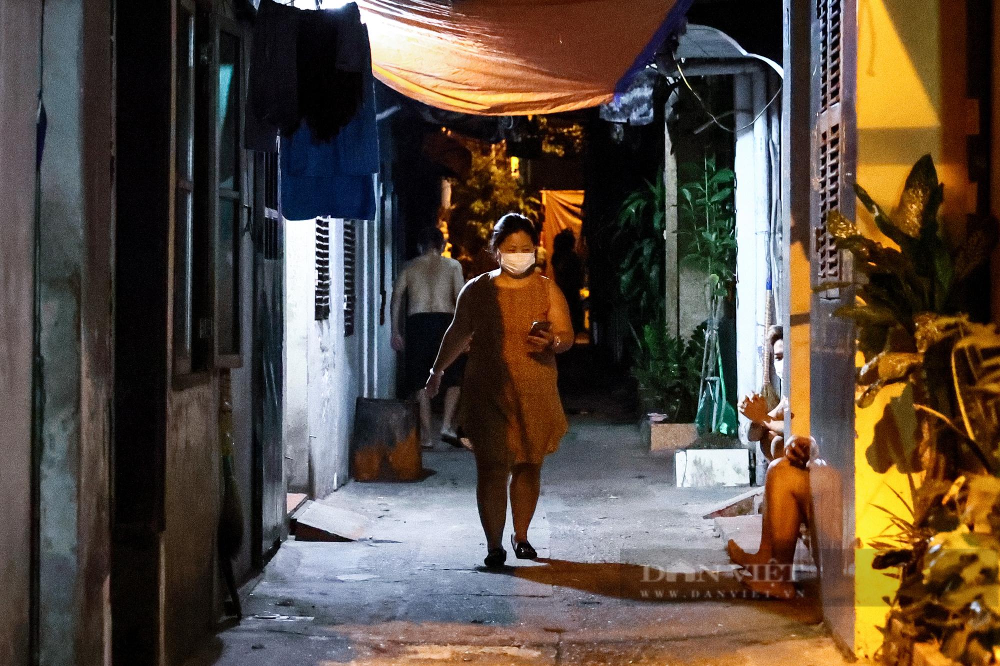 Hà Nội: Dỡ bỏ cách ly y tế với hơn 300 người dân tại phường Chương Dương - Ảnh 13.