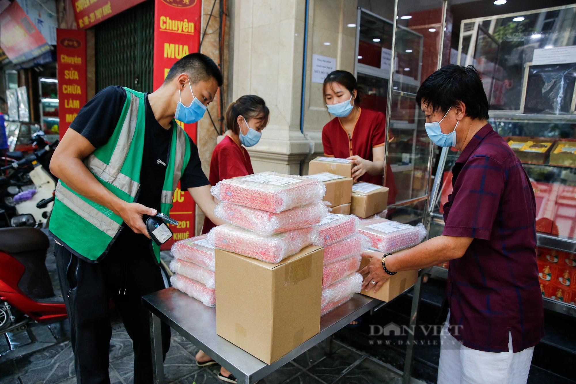 Thị trường bánh trung thu ảm đạm, cơ sở sản xuất loay hoay tìm kênh online - Ảnh 10.