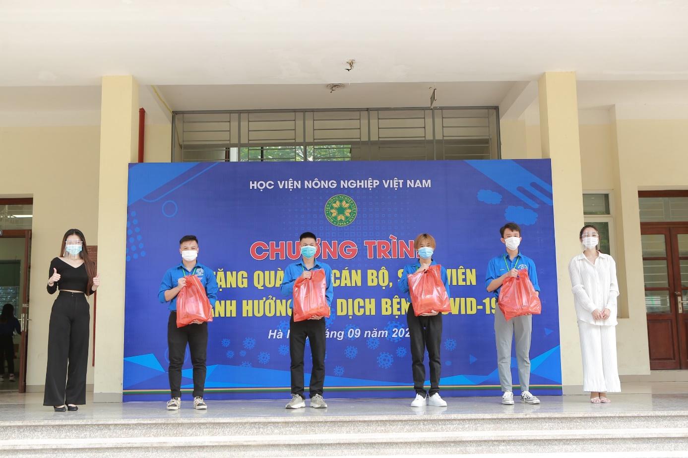 Học viện Nông nghiệp Việt Nam đồng hành cùng cán bộ, viên chức, sinh viên vượt qua dịch bệnh Covid-19 - Ảnh 5.
