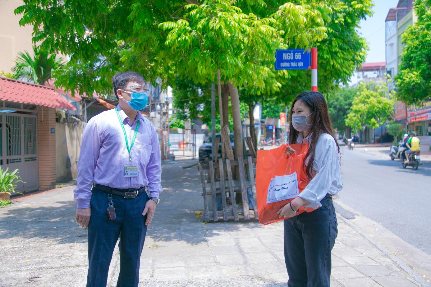 Học viện Nông nghiệp Việt Nam đồng hành cùng cán bộ, viên chức, sinh viên vượt qua dịch bệnh Covid-19 - Ảnh 6.