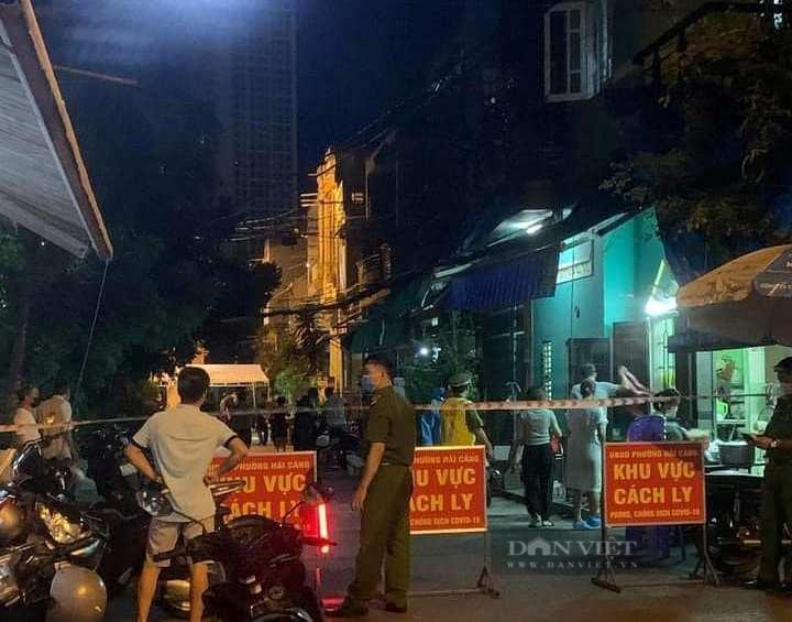Chuỗi lây nhiễm Covid-19 mới ở Bình Định: Tạm đình chỉ công tác Bí thư và Chủ tịch UBND phường Hải Cảng