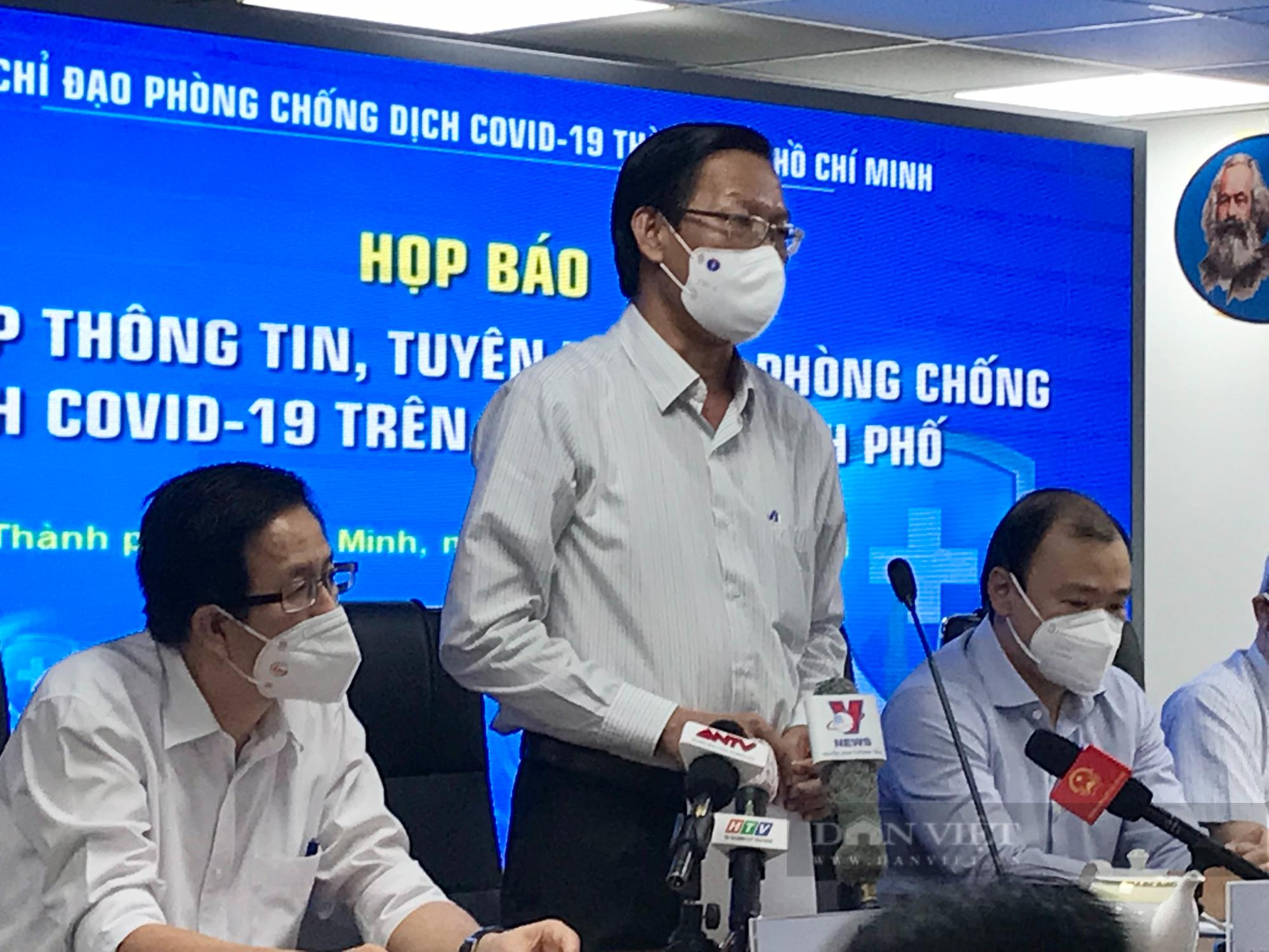 Chủ tịch UBND TP.HCM: Tiếp tục giãn cách xã hội toàn thành phố đến hết tháng 9 - Ảnh 1.